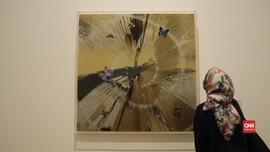 VIDEO: Seni Bendera dari Semut & Pasir di Museum MACAN