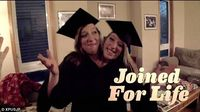 Kisah hidup kembar siam ini pun pernah ditayangkan secara dokumenter pada tahun 2008 di channel TV Amerika, TLC. Sejak saat itu mereka mulai terkenal. (Foto: Facebook/AbigailAndBrittanyHensel)
