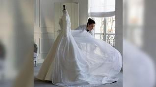 Menguak Desainer di Balik Gaun Pengantin Song Hye Kyo