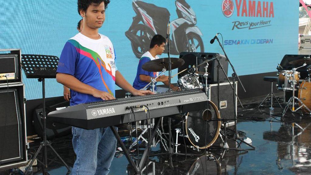 Hebat! Berawal dari Hobi Bermusik, Tuna Netra Ini Bentuk Band