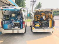 Naran mengaku kadang ada pasien yang kagum dengan ambulans sampai ia menyempatkan diri foto-foto di dalamnya. (Foto: Facebook/Leesuvan Nirun)