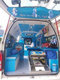 Selain ambulans Minions, sebelumnya Naran juga pernah mendesain ambulans dengan tema Doraemon. (Foto: Facebook/Leesuvan Nirun)