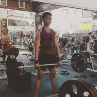 Selain Kahiyang Ayu, anak Presiden Jokowi yaitu Kaesang juga punya hobi olahraga seperti angkat beban. Wih, coba saja liat ototnya! (Foto: Instagram @kaesangp)
