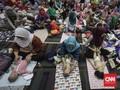 FOTO: Riuhnya Pijat Massal 300 Bayi