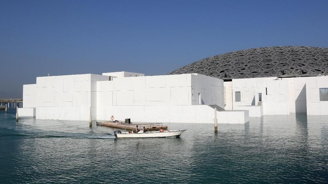 Museum ini disebut akan memiliki nuansa lebih universal dibandingkan Louvre di Paris dan dipromosikan sebagai kota museum yang pertama. (REUTERS/Satish Kumar)