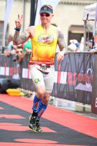 Ironman merupakan olahraga ekstrem yang menggabungkan bersepeda, berenang dan lari dalam satu perlombaan dengan total jarak yang ditempuh mencapai lebih dari 200 km. (Foto: Facebook/Todd Crandell)