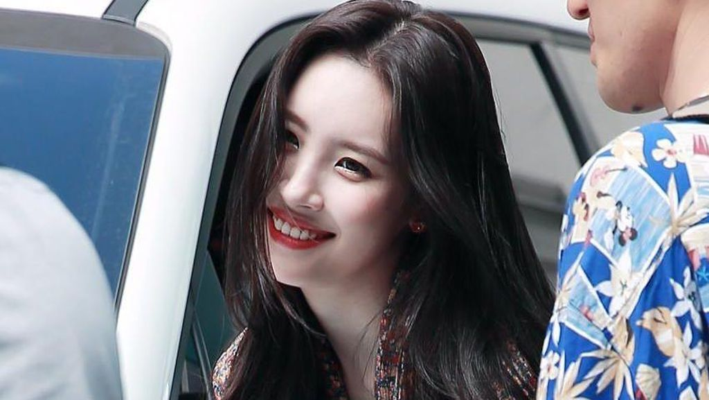 Cantiknya Sunmi, Penyanyi Korea yang Hobi Berenang