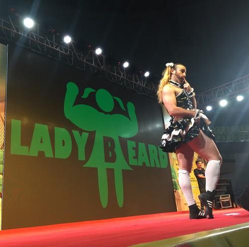 Ladybeard, Pegulat Pria yang Curi Perhatian Karena Tampil Imut Ala Lolita