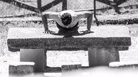Tidak lupa juga olahraga beban untuk melatih kekuatan otot tubuh bagian atas. Otot tubuh atas ini yang akan menahan beban saat Marquez mengoperasikan motor MotoGP dengan berat lebih dari 160 kilogram. (Foto: Instagram/marcmarquez93)