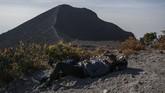 Merapi sempat meletus lagi dengan dahsyatnya pada tahun 2010, dengan memuntahkan 150 juta meter kubik material yang mematikan.