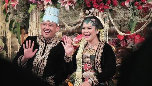 Kahiyang Ayu Pilih Suvenir Pernikahan Harga Terjangkau