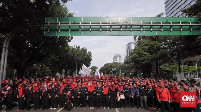 Karena itulah, buruh menyatakan mencabut mandat mereka pada Anies-Sandi sebagai pemimpin DKI Jakarta.CNN Indonesia/Adhi Wicaksono