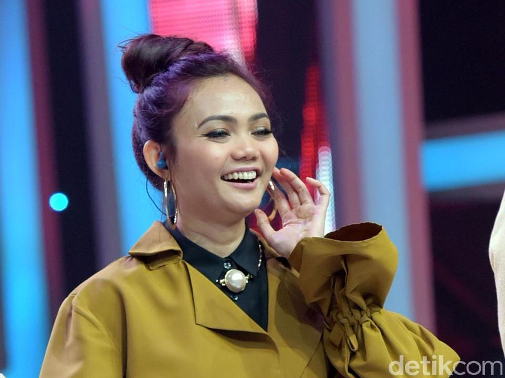 Bagikan Kerudung Gratis untuk Rina Nose, Rabbani Dikritik Netizen