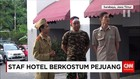 Peringati Hari Pahlawan, Staf Hotel Berkostum Pejuang