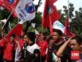 Lewat Batas Waktu, Buruh Masih Bertahan di Balai Kota