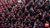 Selain di Balai Kota, buruh juga menggelar aksi di Istana Merdeka. Tuntutan mereka secara umum adalah mendesak pemerintahmencabut PP Nomor 78 tahun 2015 tentang pengupahan(CNN Indonesia/Adhi Wicaksono)