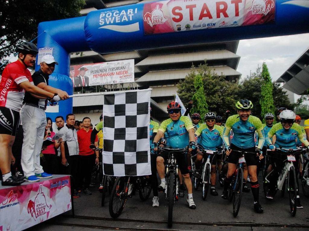 BTN kembali mendukung ajang olahraga sepeda yang dipadu pariwisata dengan menggelar Tour de Borobudur sebagai bentuk kontribusi terhadap pengembangan potensi wisata daerah. Pool/dok. BTN.