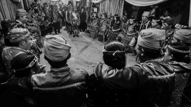 Suku Kulawi atau 'Tokulawi' merupakan salah satu suku tertua di selatan kawasan Danau Lindu, dataran Kulawi Induk, Gimpu dan DAS Koro Kabupaten Sigi, Sulawesi Tengah. (ANTARA FOTO/Fiqman Sunandar)