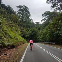 Untuk itu dirinya sudah berlatih sejak beberapa bulan yang lalu mencoba beberapa tempat yang akan menjadi lintasan triatlon. (Foto: Instagram/iamkumbre)