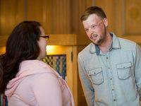 Lilly Ross bertemu dengan Andy Sandness. Andy adalah penerima donor transplantasi wajah suami Lilly yang meninggal tahun lalu karena bunuh diri. (Foto: Instagram/mayoclinic)
