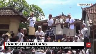 VIDEO: Tradisi Hujan Uang di Bali