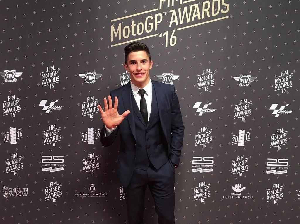 Foto: Gaya Fashion Sederhana Marc Marquez, Si Imut Juara MotoGP 2017