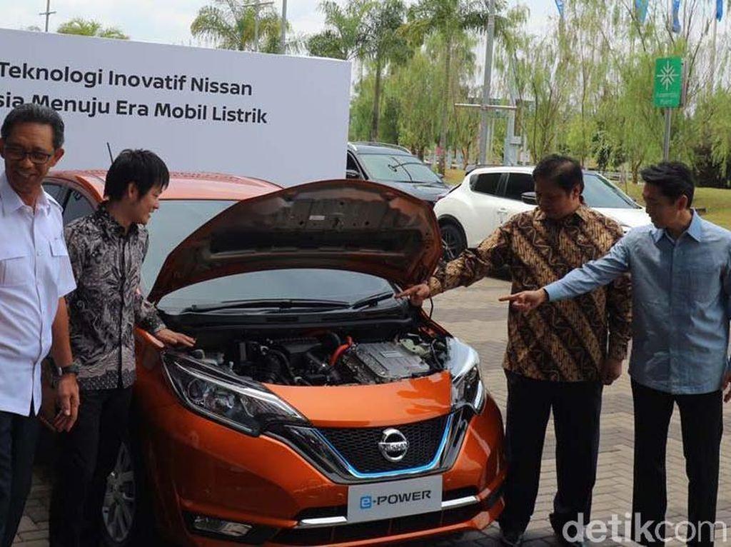 Sistem penggerak elektriknya diadaptasi dari teknologi Nissan Leaf yang menggunakan sistem penggerak roda motor elektrik dengan tenaga dari baterai lithium-ion on board.
