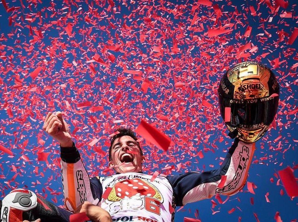 Meski harus menunggu hingga seri terakhir, Marc Marquez berhasil meraih titel juara dunia MotoGP-nya yang keempat. (Instagram @motogp)