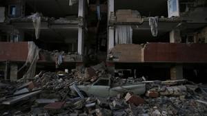 FOTO:  Gempa di Iran-Irak 7,3 SR Renggut 210 Nyawa