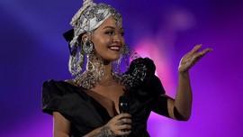 Rita Ora Kenang Avicii saat Tampil di Festival Musik Inggris