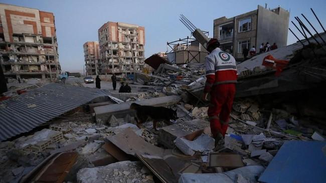 Pejabat badan meteorologi Irak melaporkan, pusat gempa di Iran-Irak berada pada kedalaman 6,5 kilometer di Penjwin, Provinsi Sulaimanyah, yang merupakan wilayah Kurdi yang dekat dengan perbatasan dengan Iran. (AFP Photo/ISNA/Pouria Pakizeh)