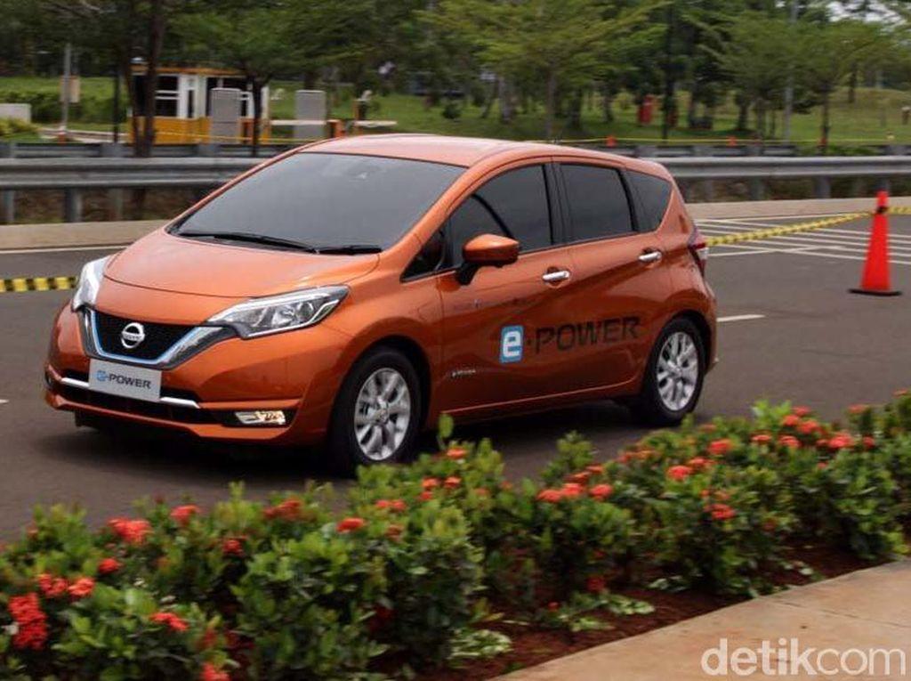 e-Power pertama kali dikenalkan pada November 2016 saat Nissan Note e-Power diluncurkan di Jepang.