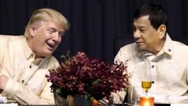 Trump Ingin Latihan Bernyanyi Agar Dapat Duet dengan Duterte
