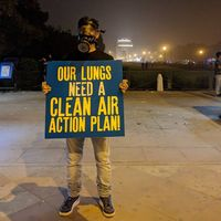 Parahnya polusi udara di New Delhi membuat para warga menuntut adanya tindakan dari pemerintah. (Foto: instagram/tiketti)