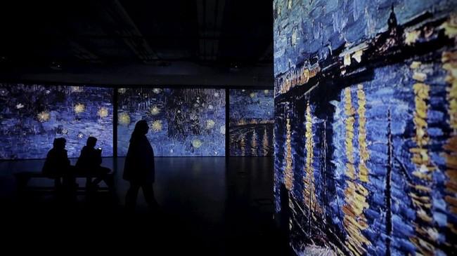 Karya-karya yang dipamerkan itu merupakan hasil Van Gogh di masa produktifnya, sekitar 1880 sampai 1890, sebelum ia meninggal di Perancis. Negeri itu banyak menginspirasinya. (REUTERS/Alkis Konstantinidis)