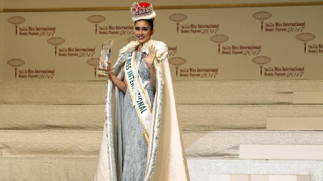 Cerita Ivan Gunawan Soal 'Best Dress' di Miss International