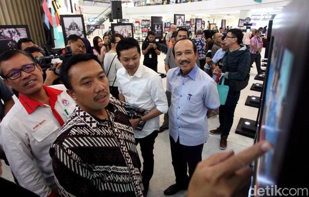 Menpora Buka Pameran Foto Indonesian Sport Heroes