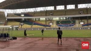 Pedagang Menyayangkan Piala Asia U-19 Tak Digelar di Cikarang