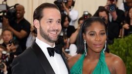 Mengulik 3 Gaun Pernikahan Serena Williams bak 'Putri Disney'