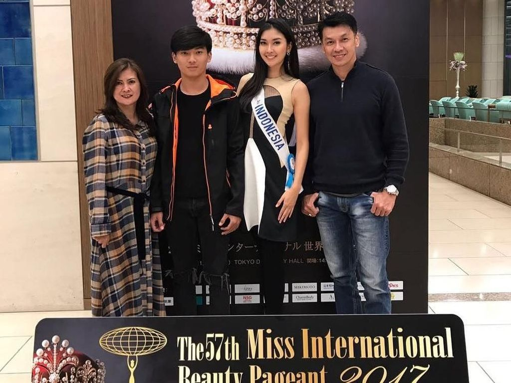 Foto: Ayah Ganteng Kevin Liliana Juara Miss International Bikin Gagal Fokus