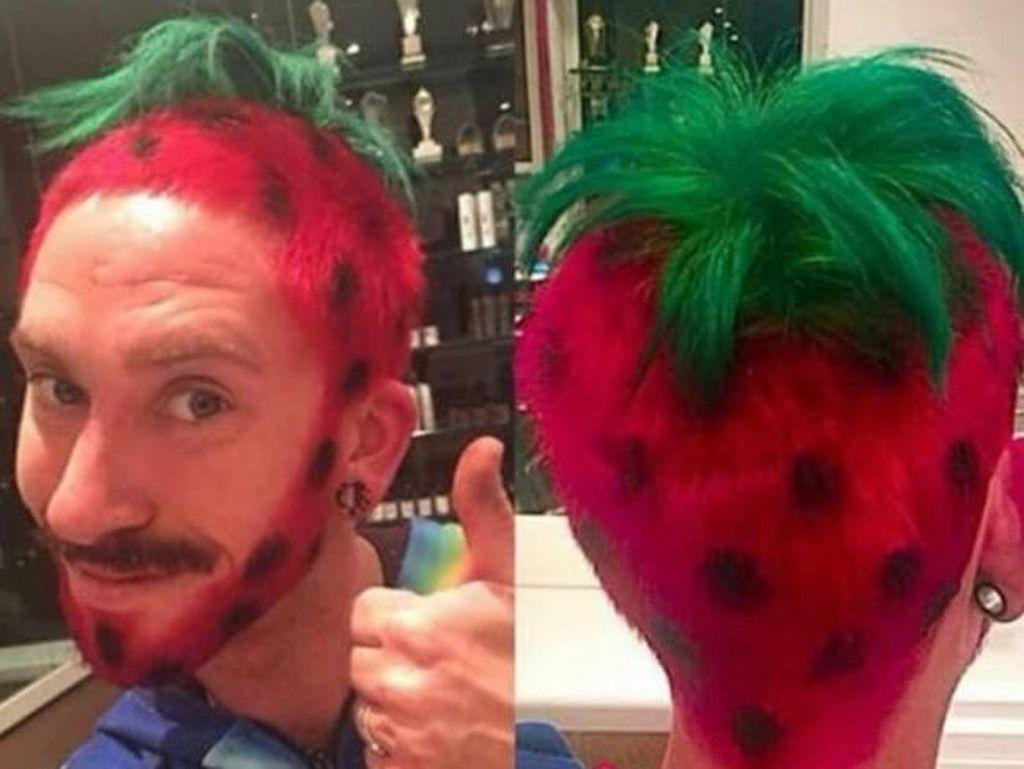 12 Gaya Rambut Unik yang Bisa Bikin Kamu Tertawa Saat Melihatnya