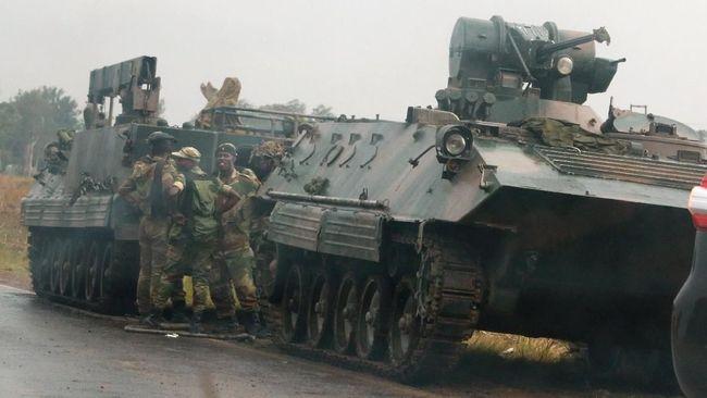 Kerahkan Tank ke Ibu Kota, Jenderal Zimbabwe Dituduh Kudeta
