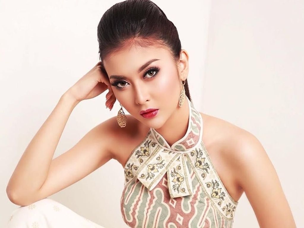 Foto: Cantiknya Juara Miss International Kevin Lilliana Berbalut Gaun Malam