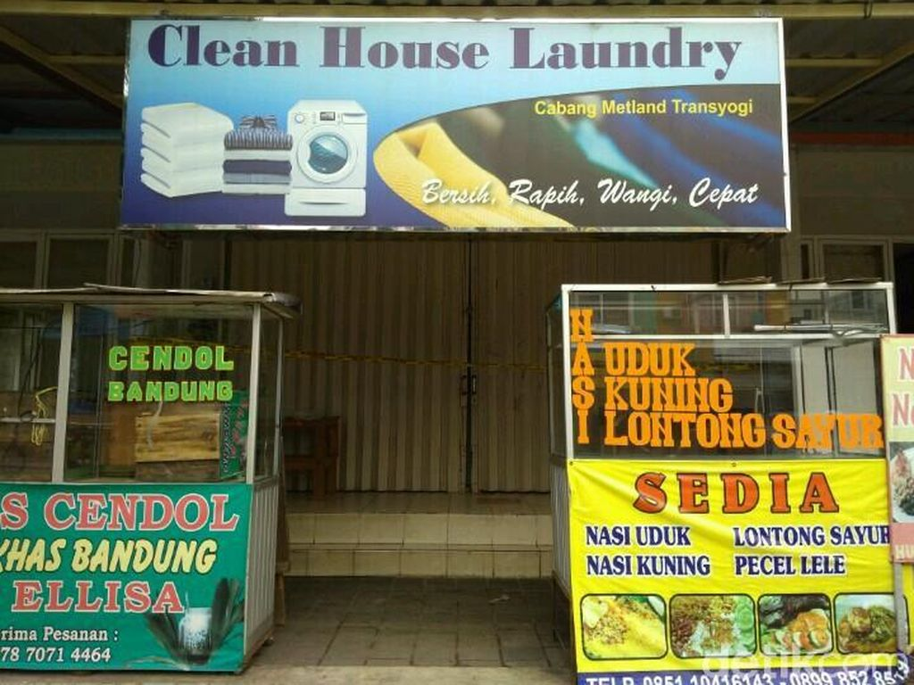 Laundry tampak tutup, begitu pun warung-warung di sekitarnya (Foto: Kanavino Ahmad Rizqo/detikcom)