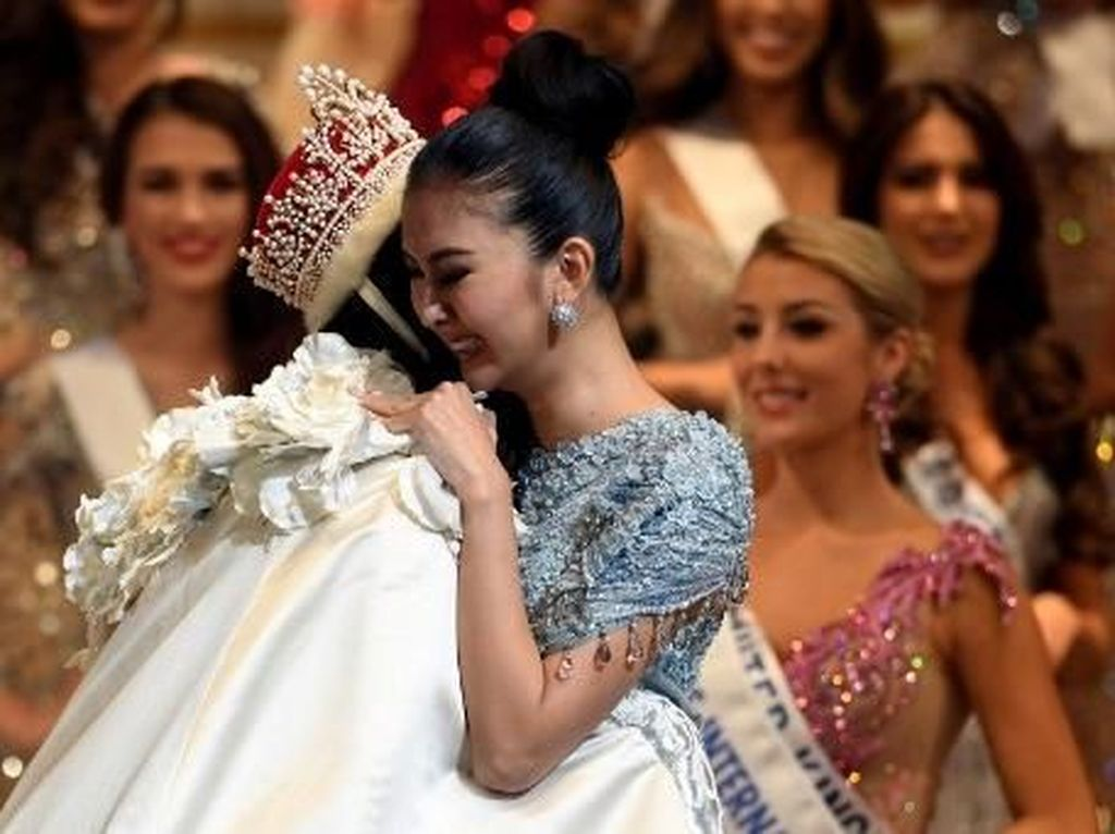 Foto: Tawa & Tangis Kevin Lilliana di Panggung Miss International 2017
