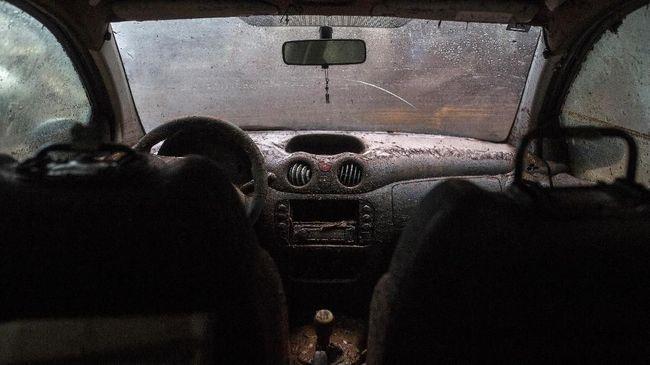 Cara Penanganan Mobil Korban Banjir Sebelum Dibawa ke Bengkel