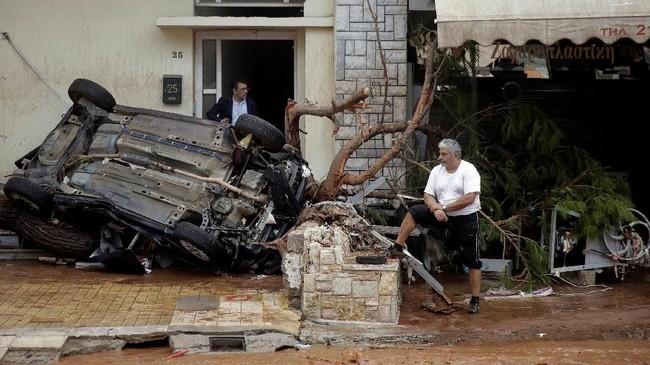 FOTO: Banjir Bandang Melanda Athena