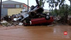 VIDEO: Yunani Berduka Diterjang Banjir Bandang