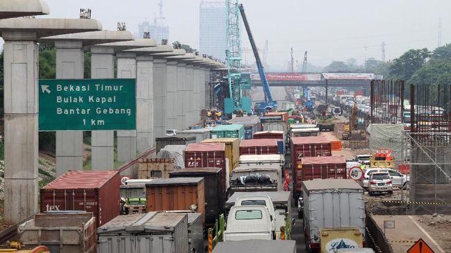 Progres Jalan Tol Layang Jakarta-Cikampek II Baru 40 Persen