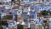 Chefchaouen ialah kota di utara Maroko yang terkenal dengan bangunan berwarna birunya. Saat ini ada semburat warna baru di sana, demi usaha pelestarian lingkungan.